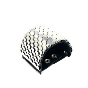 Jewelry - Cool fish scale cuff